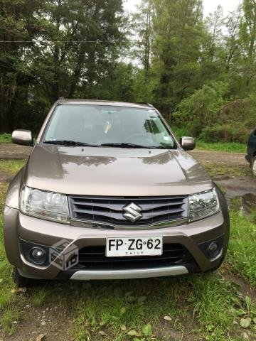 Suzuki grand nomade 2.4 glx nav