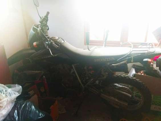 Venta de moto honda modelo tornado xr250